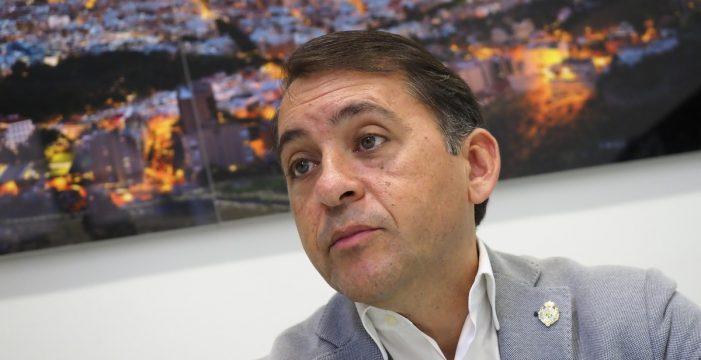 Santa Cruz pide al Estado el traslado de los inmigrantes a la Península
