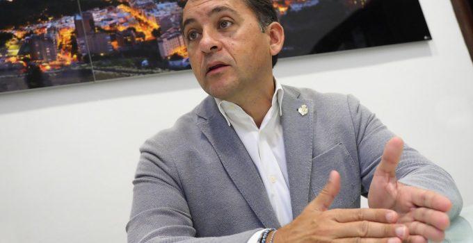 El alcalde de Santa Cruz anuncia más controles y apela a la responsabilidad ciudadana