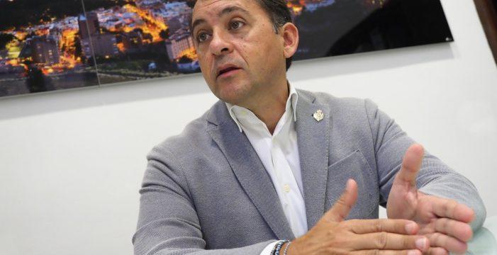 """Bermúdez implica a la SER: """"Avaló y firmó los contratos de Juan Luis Guerra"""""""