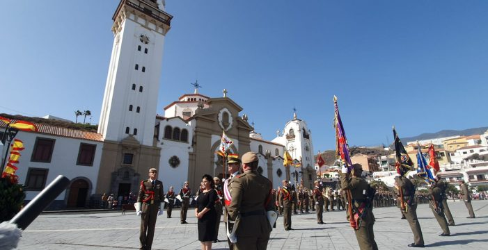Una Jura de Bandera Civil con la venia de la Patrona de Canarias