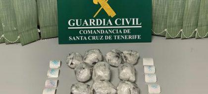 Detienen a un hombre con un kilo de cocaína al bajar del ferry en La Palma