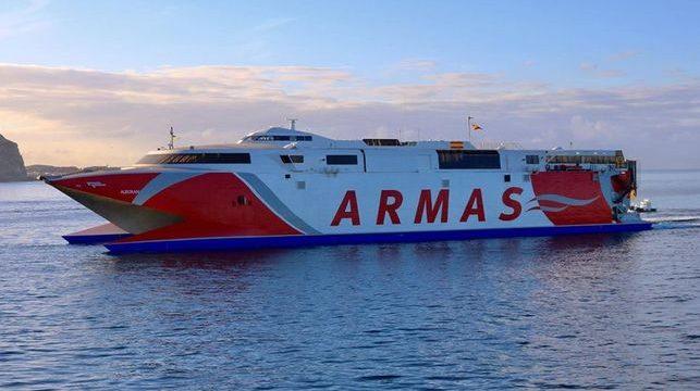 El Gobierno sacará por procedimiento de urgencia la línea marítima con El Hierro