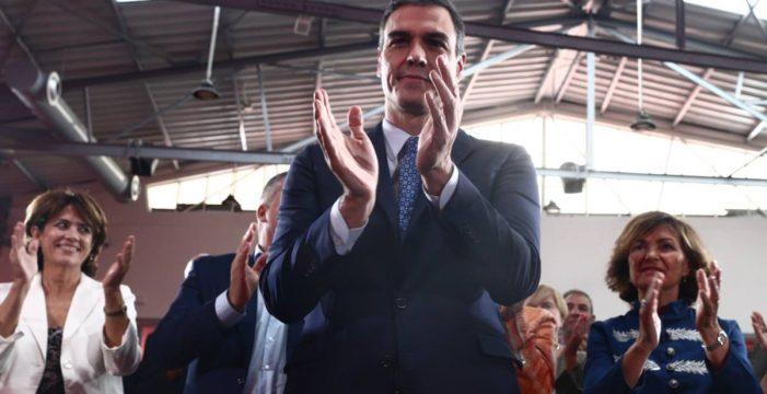 Sánchez reitera sus promesas de subir las pensiones con el IPC y un ingreso mínimo