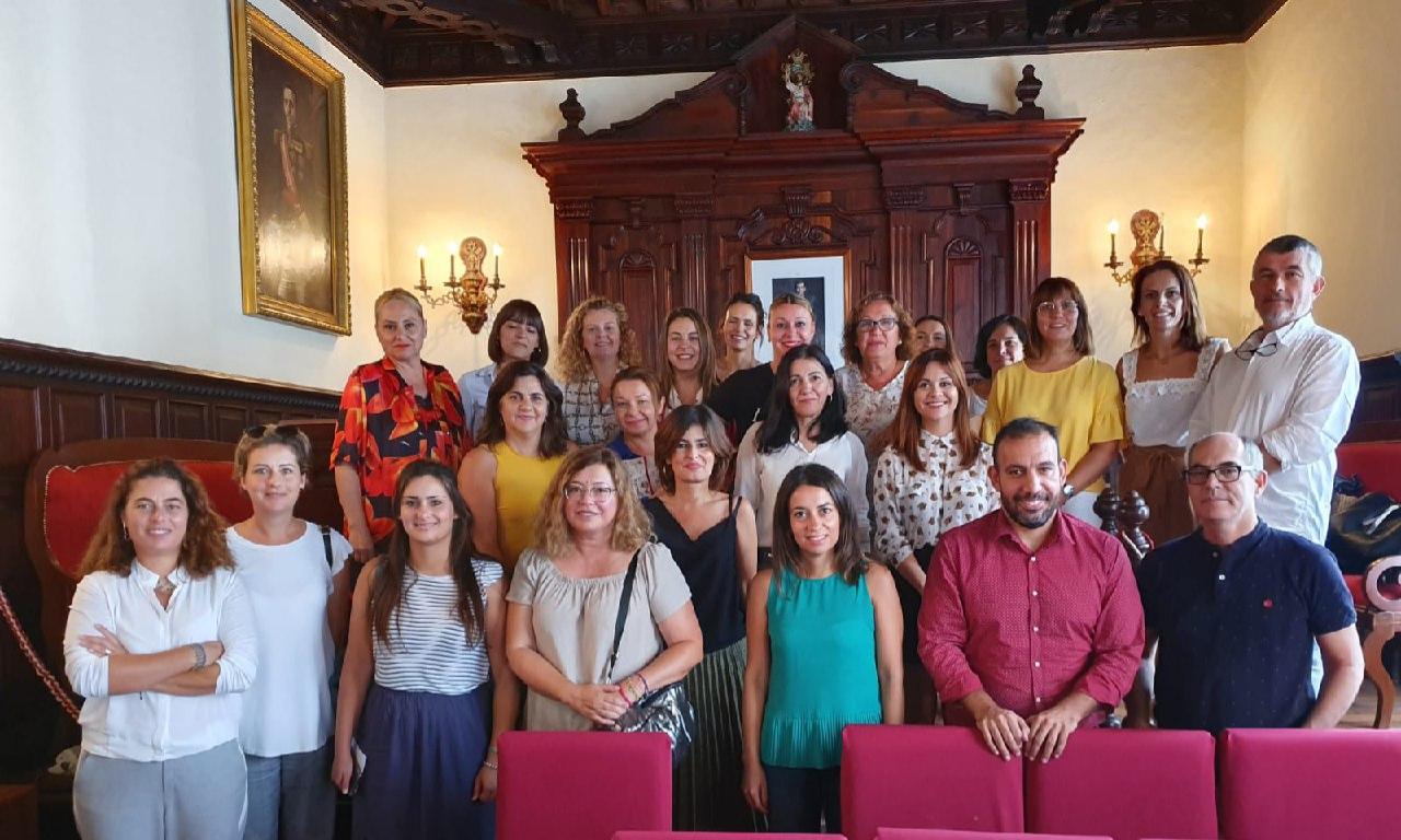 Reunión de la viceconsejera de Derechos Sociales con los ayuntamientos palmeros. DA
