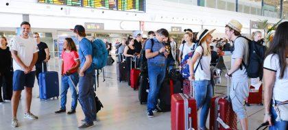 El temor a un 'brexit' duro pasa factura a Canarias en el verano