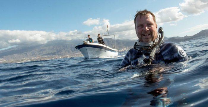 El submarinista atrapado por una ballena cuenta su odisea