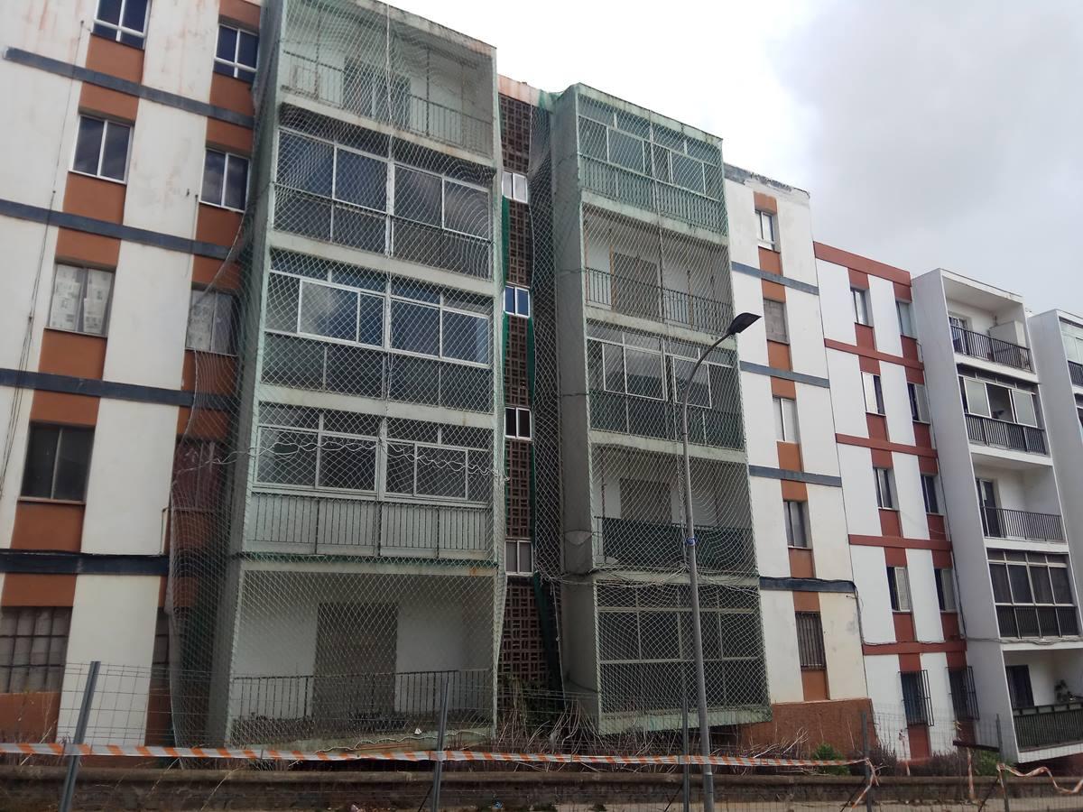 El problema de aluminosis en las viviendas de la urbanización de        Las Chumberas se detectó en el año 2009. DA