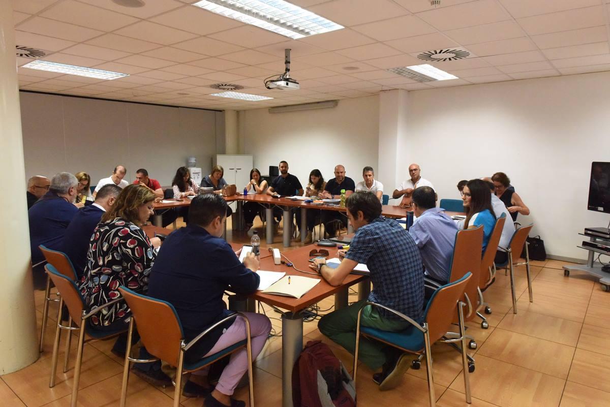 Reunión de la mesa sectorial de Sanidad en la que la consejería informó a los sindicatos del retraso de la OPE. DA