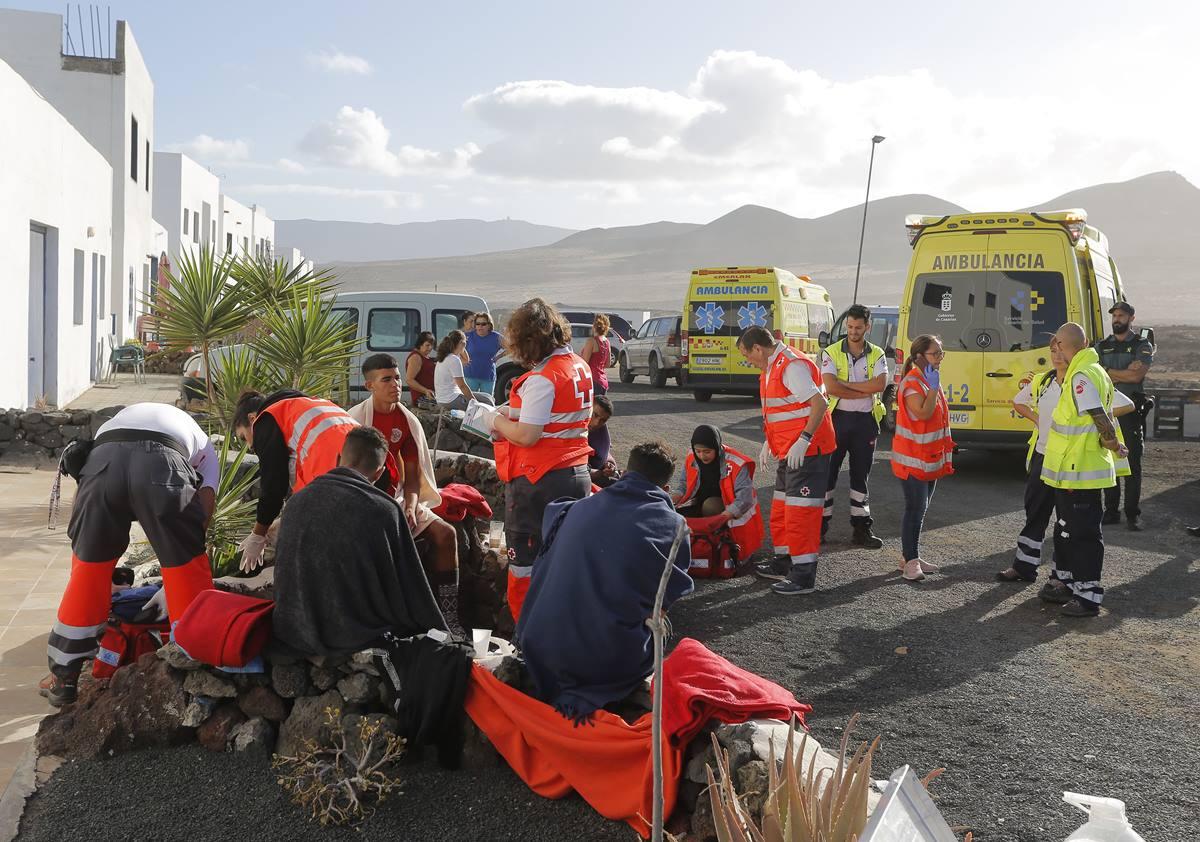 Los cuatro supervivientes fueron atendidos por la Cruz Roja. La Voz de Lanzarote