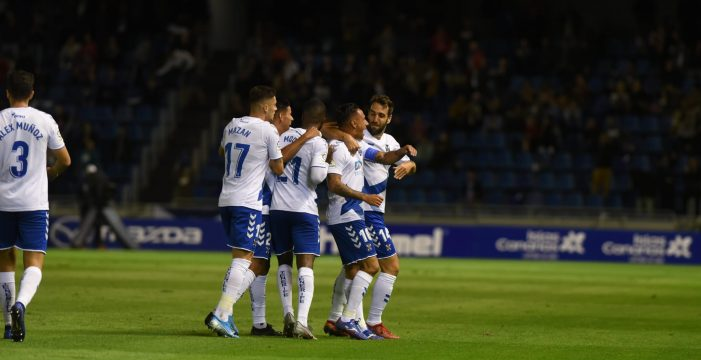 Un Tenerife con la luz de la reserva encendida se enfrenta al Sporting de Gijón en un partido fundamental