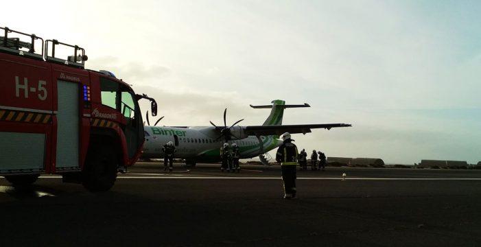 """Una tinerfeña relata cómo vivió el aterrizaje de emergencia en Gran Canaria: """"Sentí ansiedad cuando la gente no avanzaba"""""""