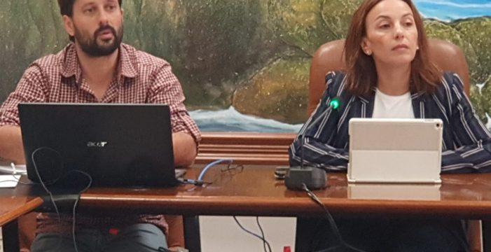 """El contrato municipal de la luz en Arico se queda """"sobre la mesa"""""""