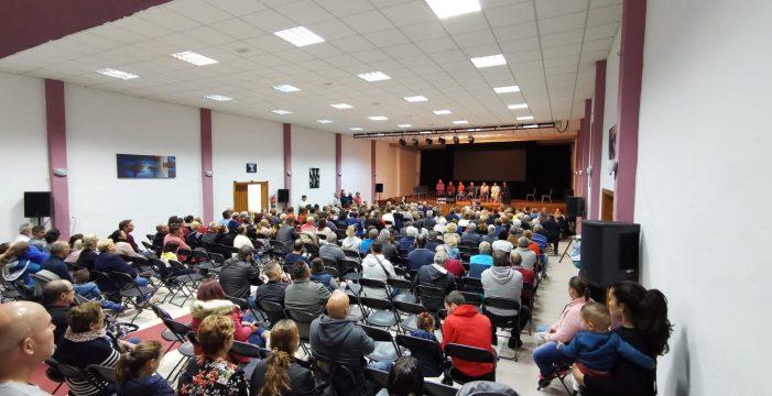 Olivia Delgado recibe, ante la moción de censura, el apoyo de unos 350 ariqueros