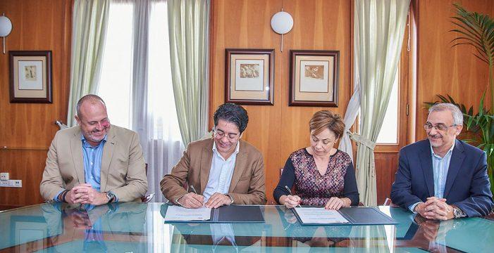 Cabildo y ULL destinan 108.000 euros a la 'guagua universitaria'