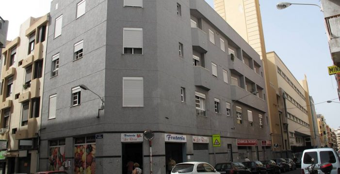 La gran arteria de El Toscal, de nombre florido: calle La Rosa
