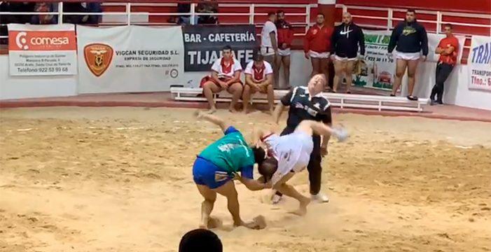 Una patada a un árbitro de lucha canaria acaba con una mandíbula rota
