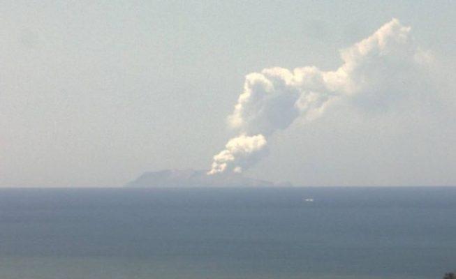 Cinco muertos y ocho desaparecidos tras la erupción que ha arrasado la Isla Blanca, en Nueva Zelanda