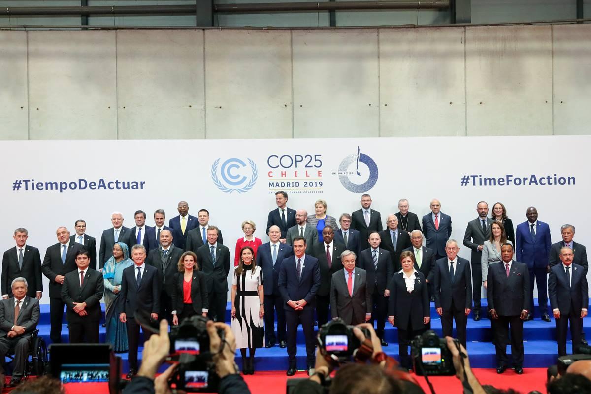 Foto de familia de los jefes de Estado asistentes al acto de inauguración de la Cumble del Clima de la ONU, que desde ayer se celebra en Madrid. Europa Press