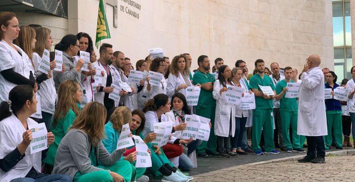 Los médicos se plantan, no harán horas extras y convocarán huelgas en enero
