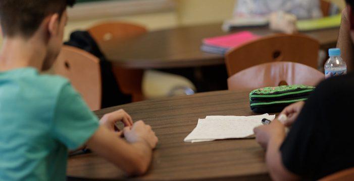 Los alumnos canarios, a la cola de España en matemáticas y ciencias, según el informe PISA