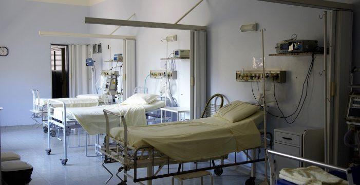 Menor ingresa en coma tras mezclar alcohol con medicamentos que encontró en la calle