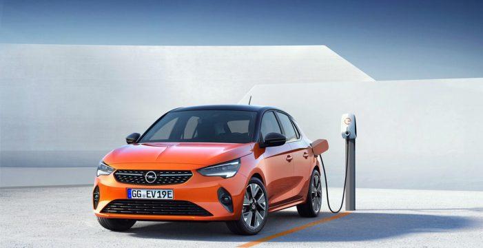 Cicar incorpora los primeros vehículos eléctricos a su flota de coches de alquiler