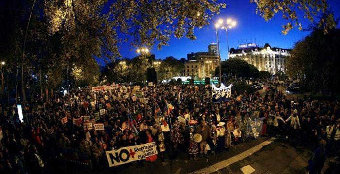 Miles de personas colapsan Madrid en una multitudinaria Marcha por el Clima