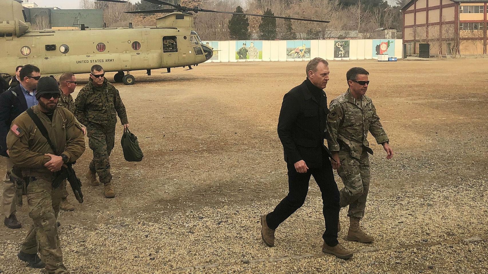 El secretario de Defensa, Patrick Shanahan, en Afganistán el pasado lunes. EE