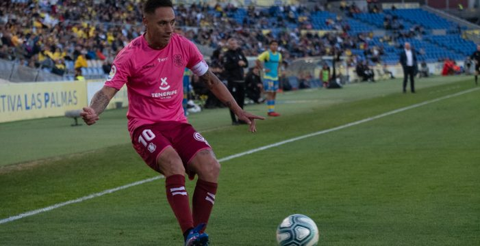 La Liga denuncia los cánticos contra Suso Santana por parte de Ultra Naciente en Gran Canaria