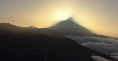 La foto no tiene filtro: este es el espectacular efecto de la calima en el Teide