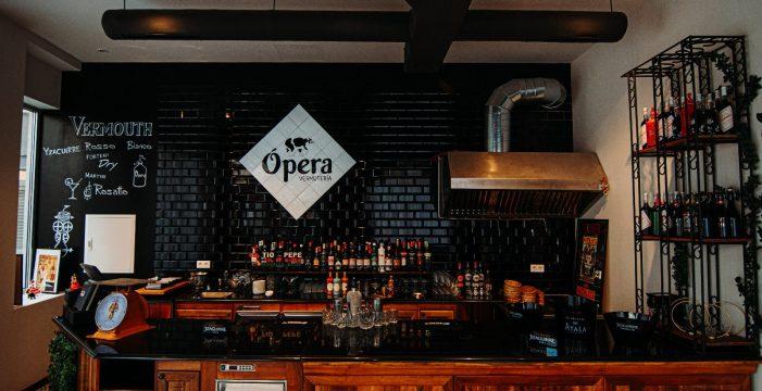Sal y pimienta: El aperitivo en la vermutería Ópera en el hotel Urban Anaga