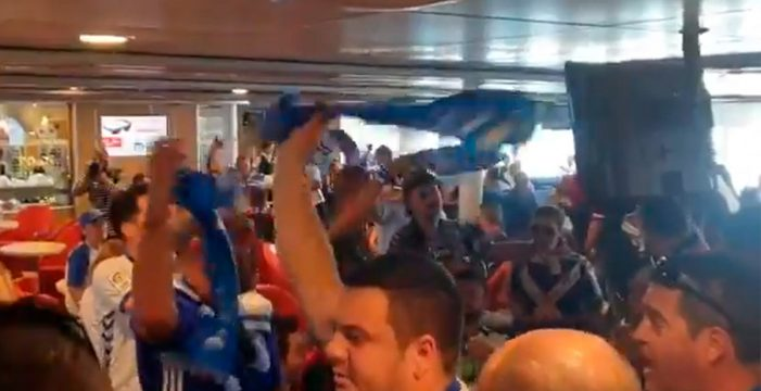 La afición blanquiazul 'invade' Gran Canaria
