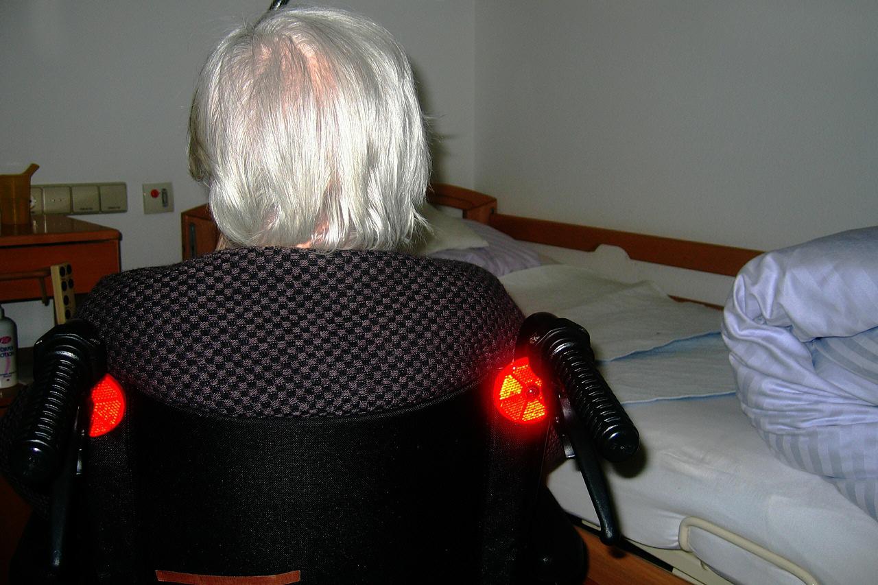 Los mayores que viven solos son los principales beneficiarios. DA