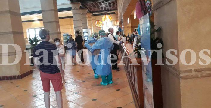 Dan negativos los 11 análisis pendientes de huéspedes del hotel de Adeje