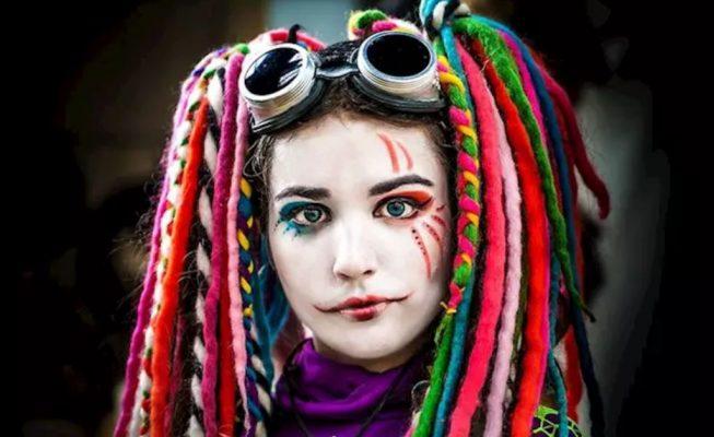 Cuidado de los ojos en Carnaval: lentillas de colores, maquillaje y pelucas