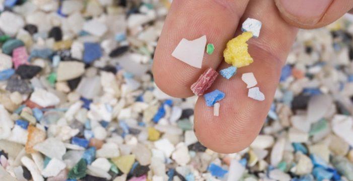Los microplásticos más pequeños de Canarias vienen de las lavadoras