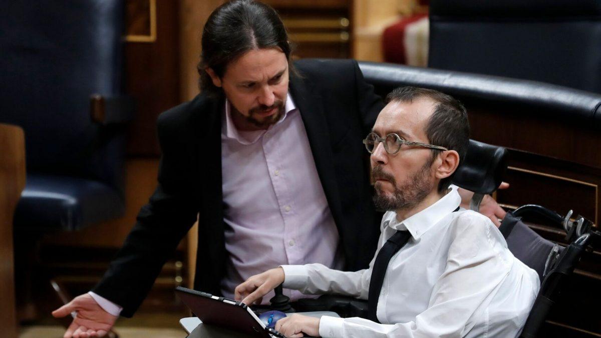 Pablo Iglesias y Pablo Echenique en el Congreso de los Diputados. EFE