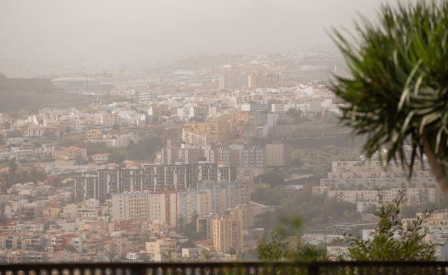 Llega calima y más calor este fin de semana a Canarias