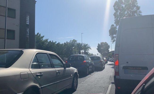 Kilométricas colas por el desvío de la carretera de San Andrés