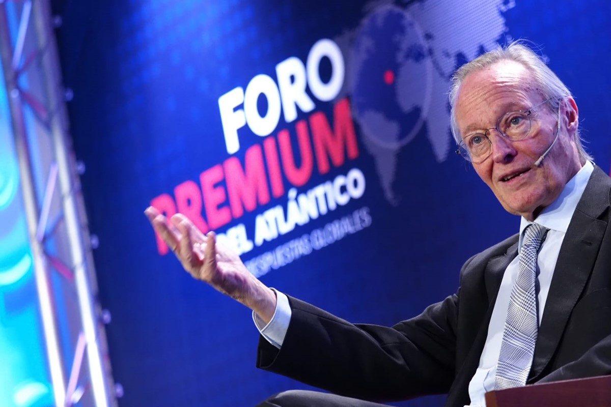 """Josep Piqué, en el Foro Premium de DIARIO DE AVISOS: """"Pueden estar en riesgo los principios básicos de la Transición"""""""