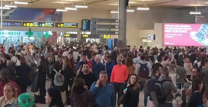La mayor tormenta de arena del siglo cierra los aeropuertos canarios