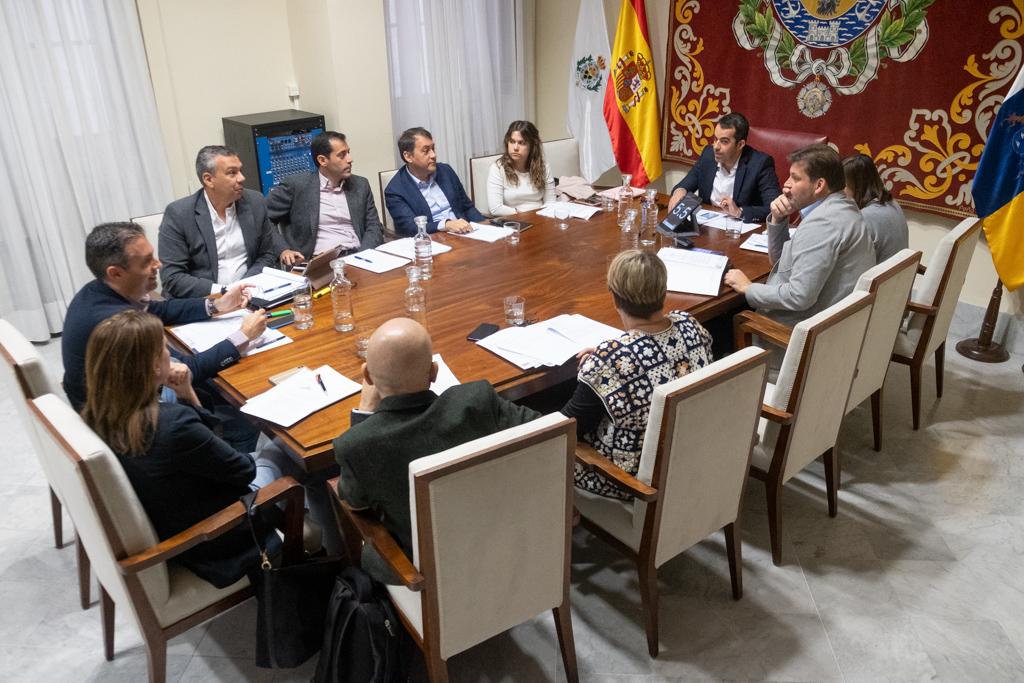 Imagen de la reunión de la Comisión de Control de ayer. DA