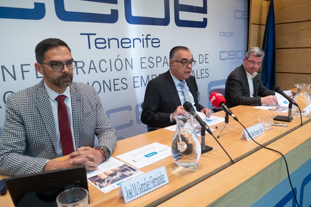 Imagen de la presentación del informe en la sede de CEOE-Tenerife. Fran Pallero