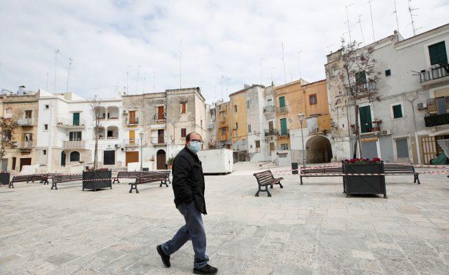 Italia ya permite a los niños dar paseos acompañados de un progenitor