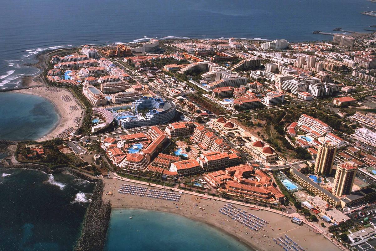 Canarias cierra sus hoteles y España y Europa, sus fronteras