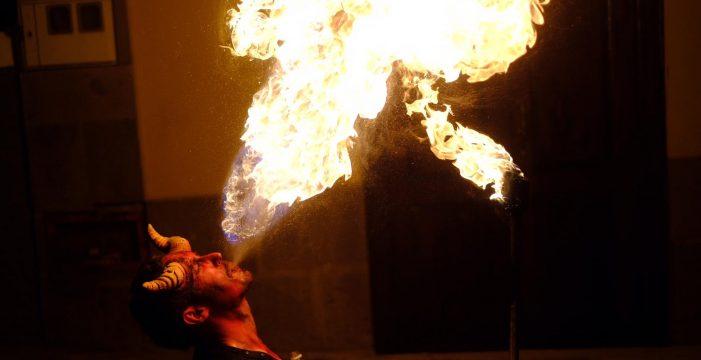 Las Burras llenan Güímar de magia, brujería y fuego