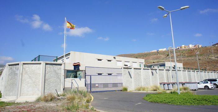 El Covid-19 obliga a cerrar los CIE en Tenerife y Gran Canaria