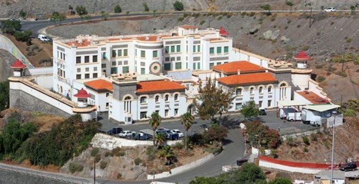 El juez ordena el desalojo del CIE de Barranco Seco por coronavirus