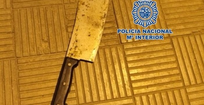 Amenaza a otro hombre con un machete en Santa Cruz de Tenerife