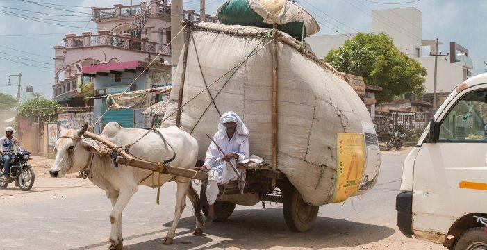 India decreta el confinamiento de sus 1.300 millones de habitantes